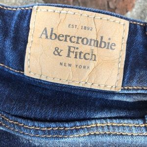 Abercrombie and Fitch skinny jeans size 6L